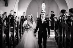 Brudepar entre i kirken. Kolding